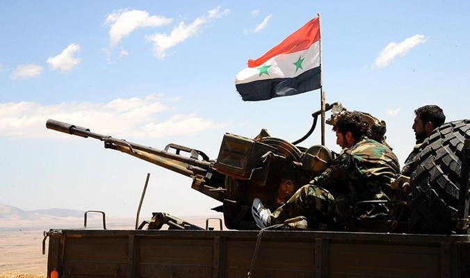 النظام يتقدم شرق الرقة على حساب داعش ويقترب من دير الزور ومناطق قسد