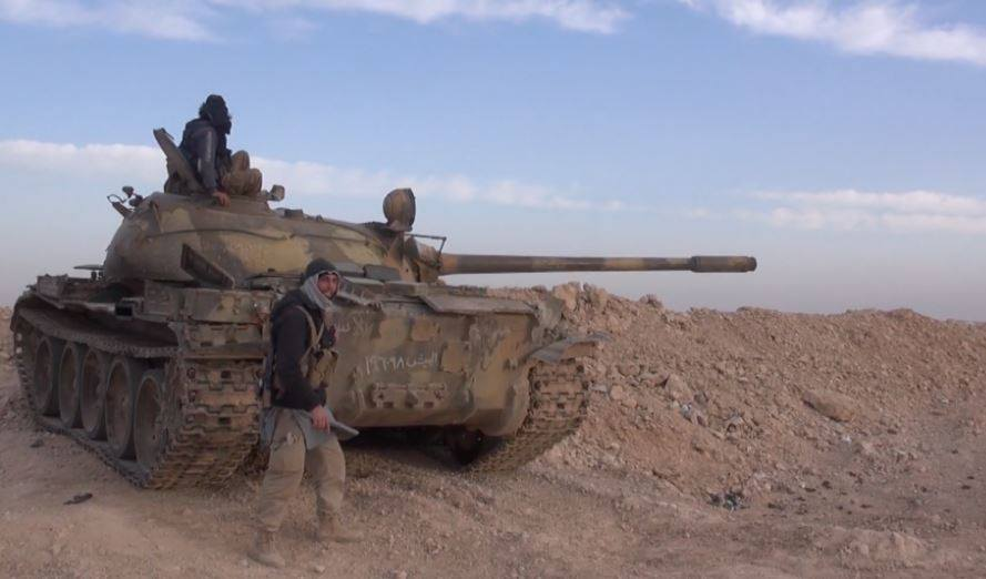 كمين لداعش في دير الزور يوقع 27 قتيلاً و33 أسيراً من النظام والقوات الموالية له