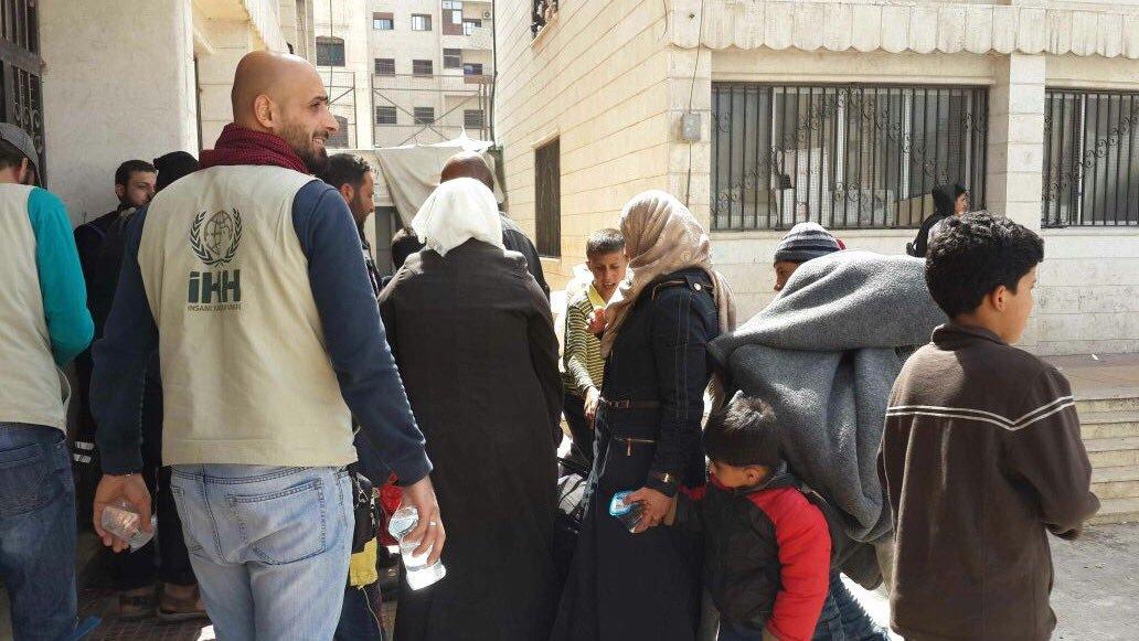 """بسبب """"الغلاء والاستغلال والتوتر الأمني"""": عودة عدد من العائلات المهجرة من إدلب إلى مضايا"""