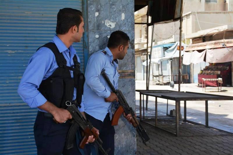القامشلي : اشتباكات بين أسايش الإدارة وسوتورو النظام يوقع جرحى بين الطرفين