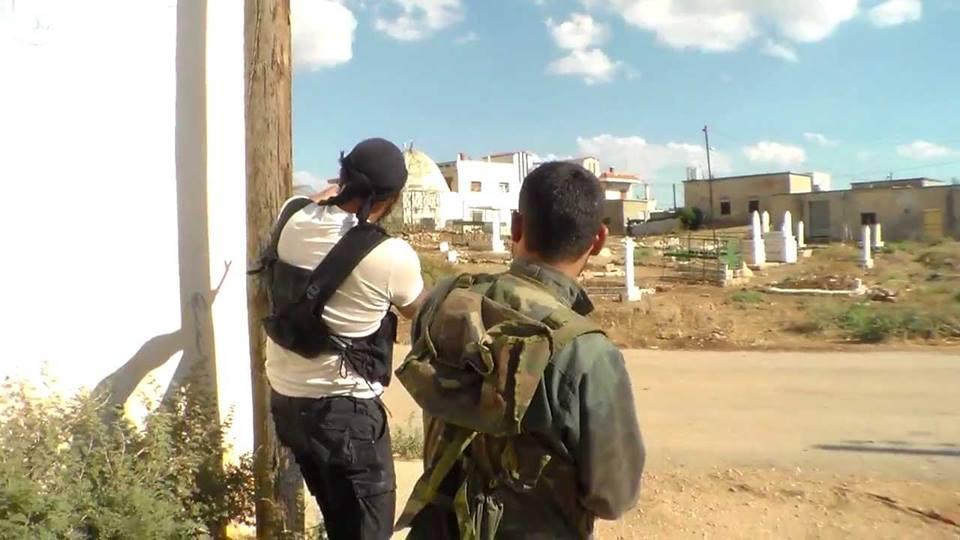 حماة: معارك تخلف قتلى وجرحى.. والنظام يفتح معبراً هاماً لمناطق المعارضة بريف حماة