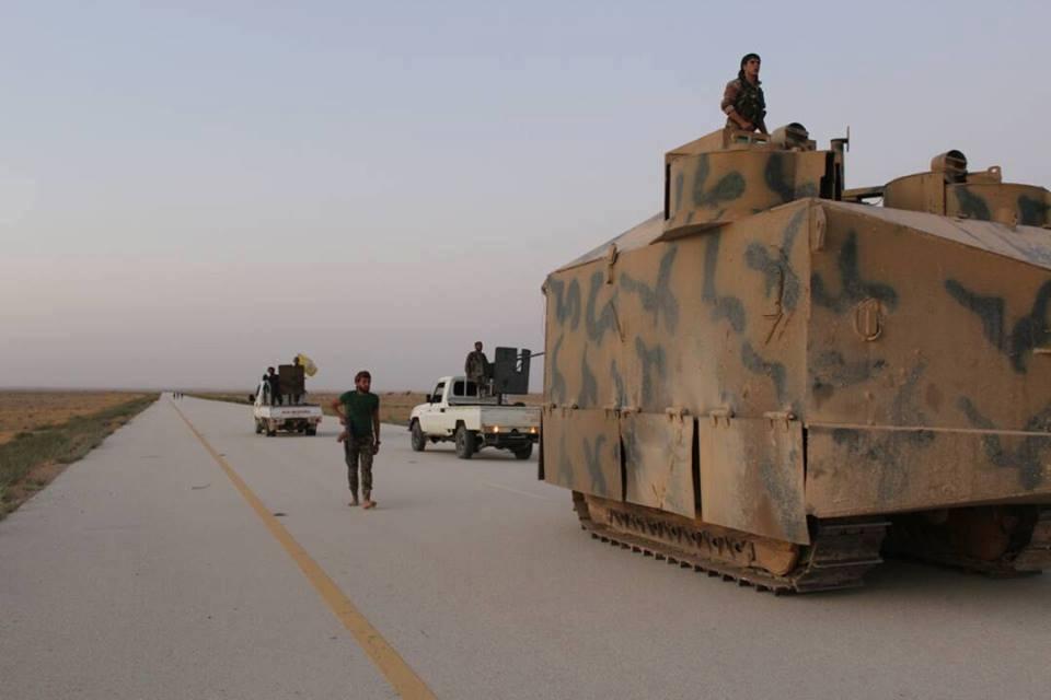 قسد تتقدم على حساب داعش بدير الزور وتلتقي بالقوات العراقية.. والتحالف ينشئ قاعدة جديدة