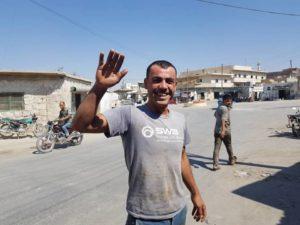 """""""يا عباد الله اهربوا"""": مدنيون يسخرون من معارك ريفي حماة وإدلب"""