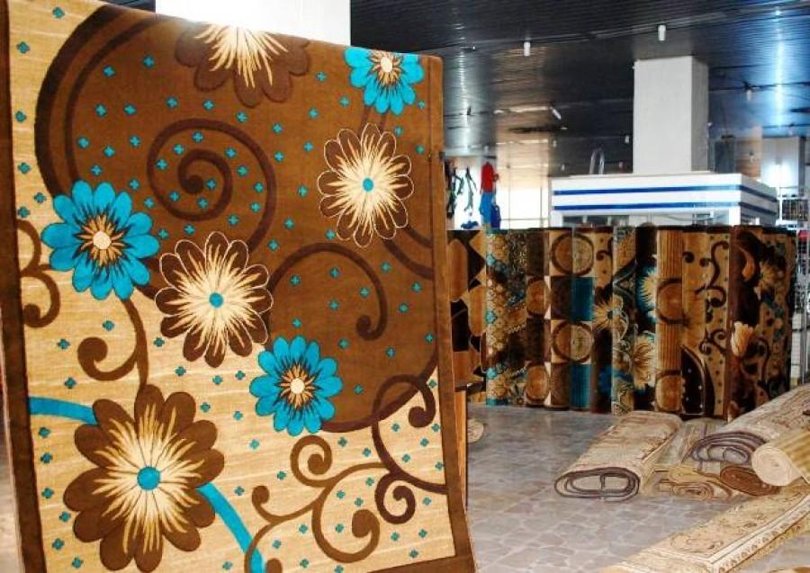 ضمن الاستعدادات لفصل الشتاء .. طرح السجاد الصوفي في أسواق حماة