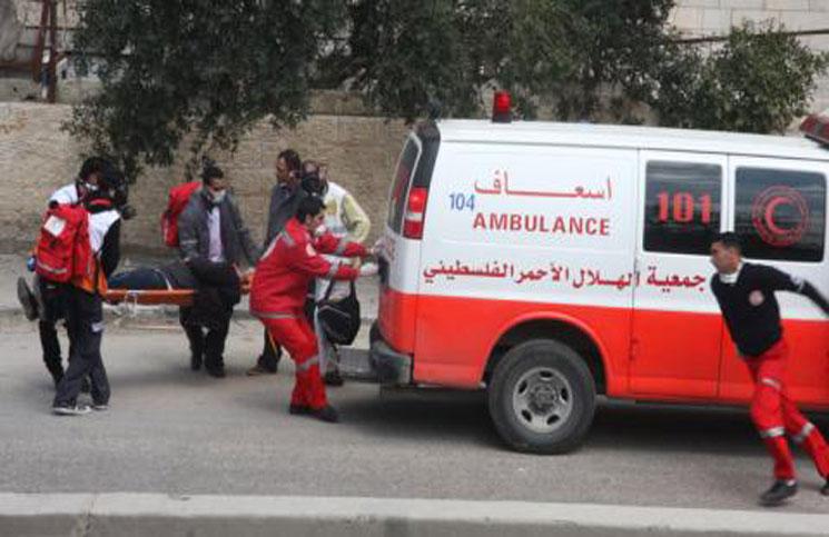 بإشراف الهلال الأحمر الفلسطيني : نقل حالات مرضية من الريجة إلى يلدا جنوبي دمشق