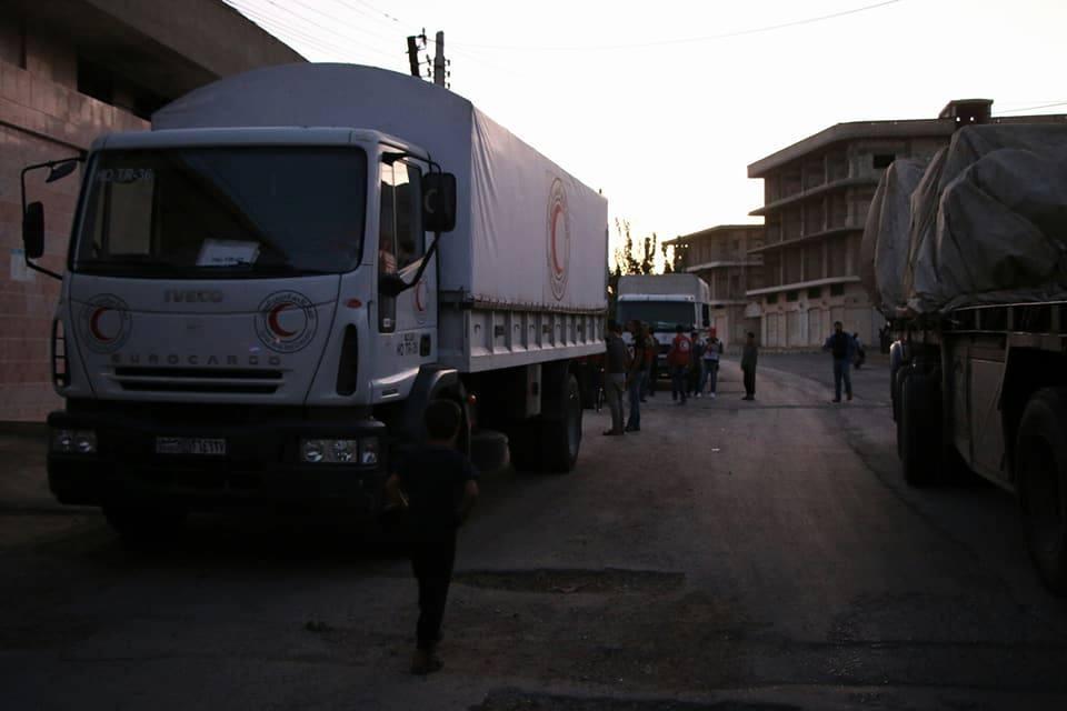 دخول مساعدات إلى منطقة الحولة.. ومواجهات بين النظام وداعش لاستعادة القريتين