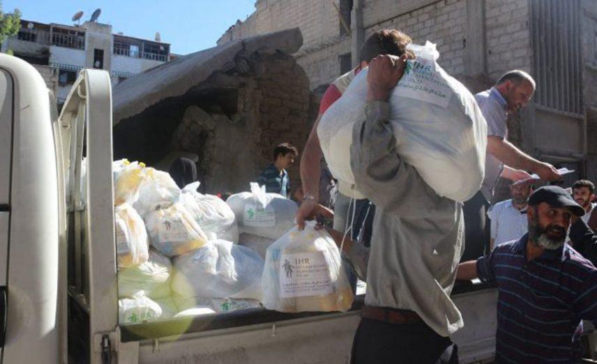 انخفاض أسعار المواد الغذائية في الغوطة الشرقية بعد تدخل تاجر متعامل مع النظام