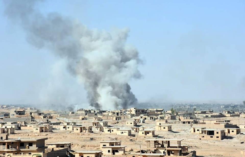 مستغلاً الظروف الجوية.. داعش يستعيد السيطرة على مواقع خسرها شرقي ديرالزور