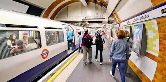 سرقة حقيبة بقيمة 1.3 مليون دولار من محطة قطار في بريطانيا