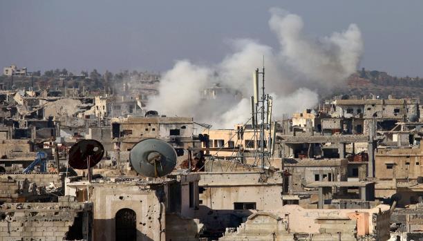 رغم الهدنة بالمنطقة: النظام يقصف أحياء درعا بصواريخ الفيل.. واشتباكات عنيفة في حي المنشية