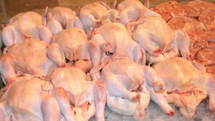 معبر باب السلامة: قرار بمنع استيراد الدجاج ولحومها من تركيا