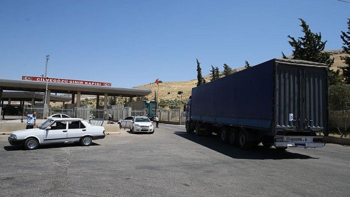 إدارة معبر باب الهوى تسمح للتجار بإدخال البضائع الروسية إلى سوريا