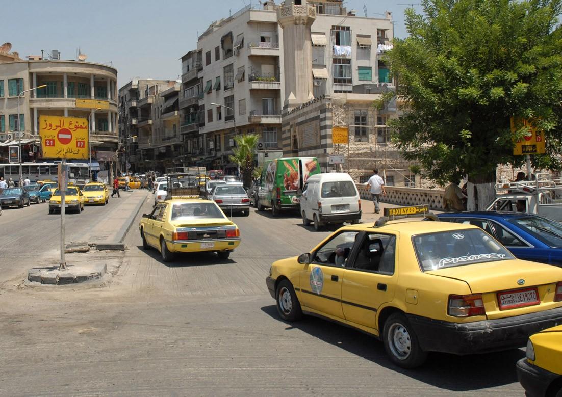 رسوم إضافية على تسجيل سيارات النقل في سوريا