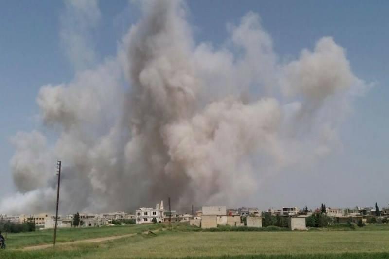 الطيران الروسي يستهدف ريف حماة بالصواريخ الموجهة والفوسفور الأبيض.. وسقوط ضحايا مدنيين