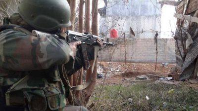 ديرالزور: قنص متبادل واشتباكات بين قوات النظام وقسد.. ومقتل مدنيين