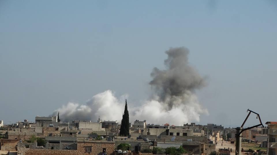 حماة: ضحايا بقصف جوي ومدفعي.. وقوات النظام تتمركز في عدة نقاط بالريف الجنوبي