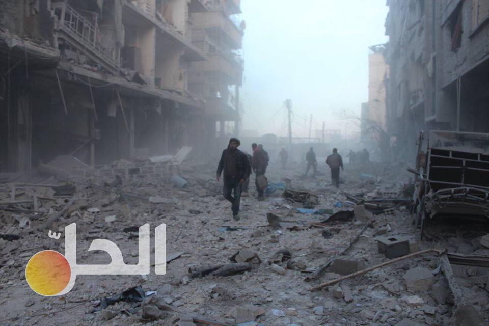 """عشرات القتلى والجرحى جراء قصف النظام الغوطة الشرقية.. والمعارضة تبدأ """"هجوماً معاكساً"""""""