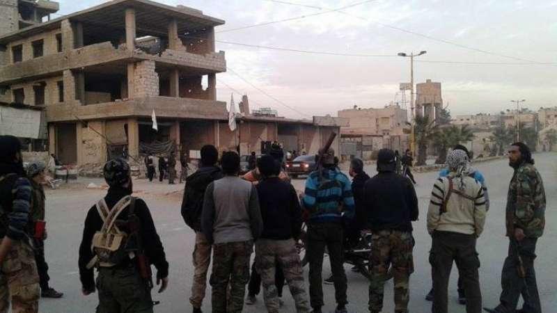 """اجتماع بين ضباط روس وقيادين من المعارضة جنوب دمشق لـ""""تحديد مصير المنطقة"""""""