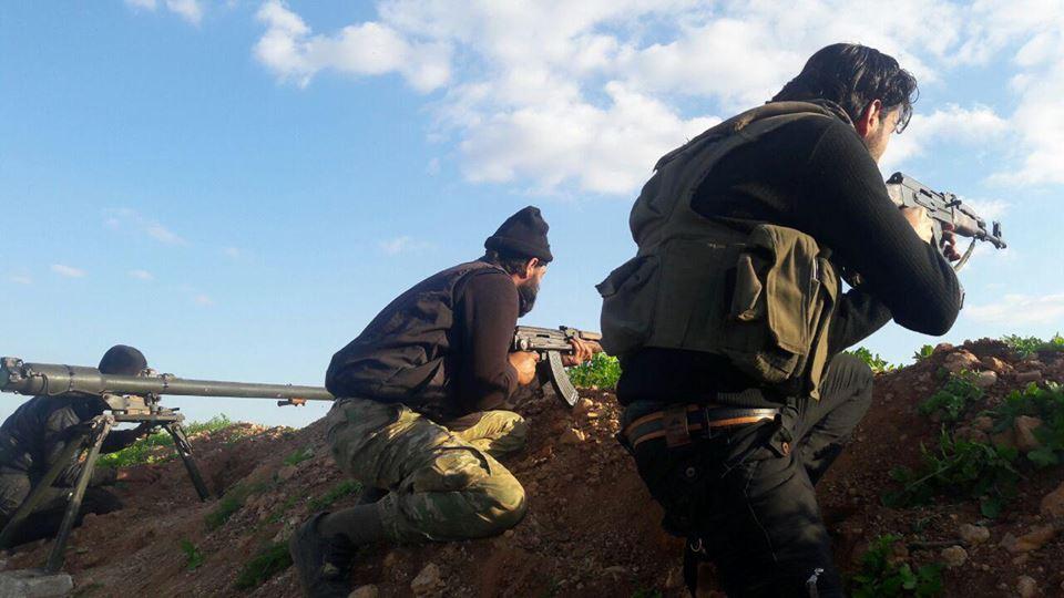 المعارضة تشن هجوماً على مواقع النظام جنوبي حماة.. وقتلى وجرحى للطرفين