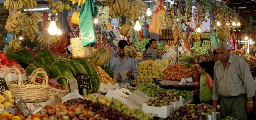 خبير اقتصادي: جولات وزير حماية المستهلك في حكومة النظام على الأسواق «حركة بلا بركة»