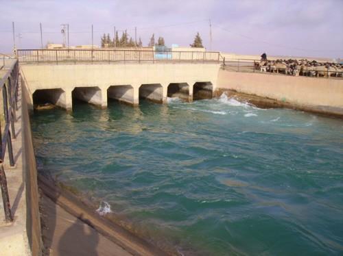 الرقة.. إعادة تشغيل قناة مائية تروي 17 ألف هكتار من الأراضي الزراعية