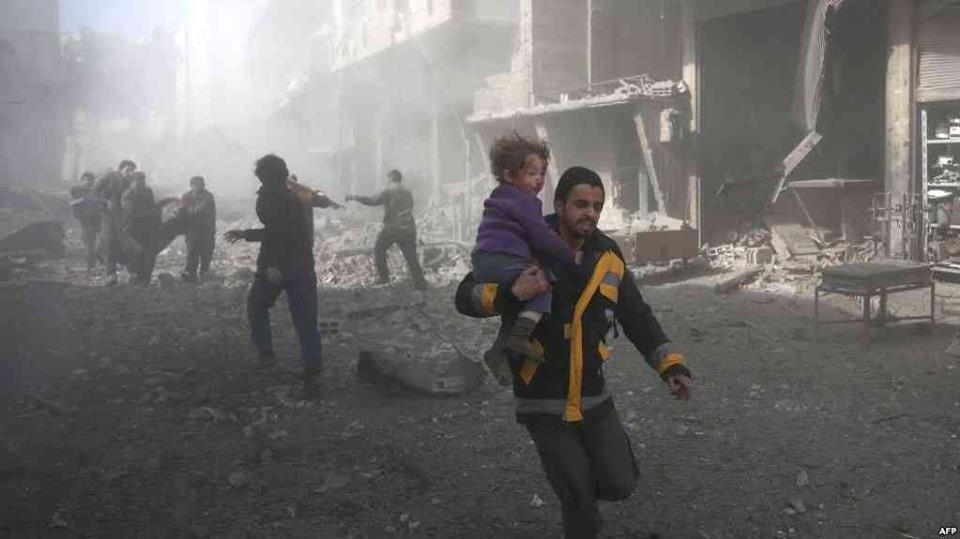 عشرات الضحايا في دوما مع تجدد القصف.. وقتلى في العاصمة بسبب القذائف وسيارة مفخخة