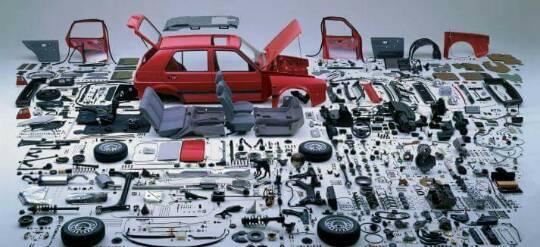 حكومة النظام تعلن عن إقامة 3 معامل تجميع سيارات في حسياء