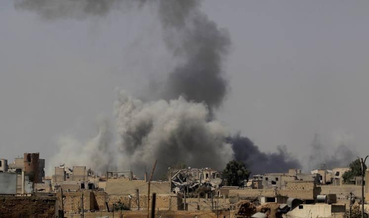 قصف للنظام يخلف ضحايا بديرالزور.. ومقتل امرأة بمخلفات داعش من الألغام