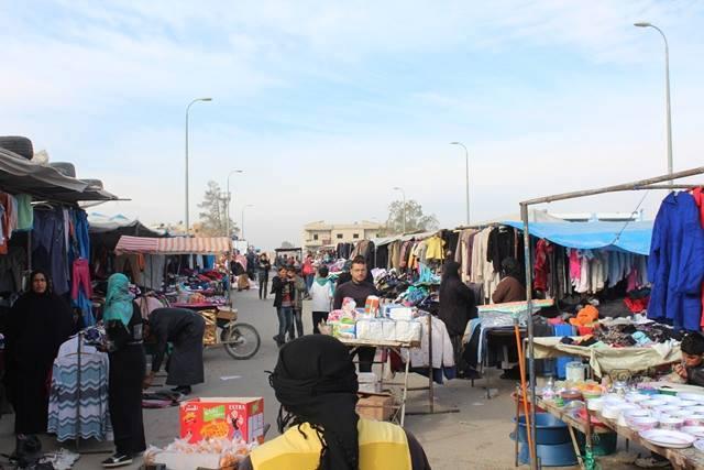 الرقة.. انتشار أسواق البالة وإقبال الأهالي عليها يثير مخاوف أصحاب المحال التجارية