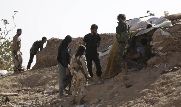 قتلوا العناصر وسرقوا سلاحهم: مجهولون يهاجمون موقعاً للحر غربي حماة.. والفصائل تستنفر
