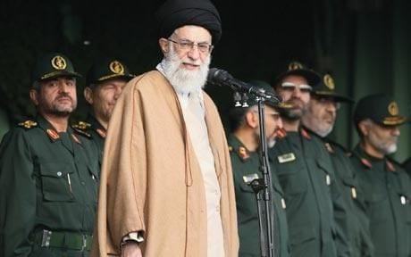 مستشار خامنئي يهدد بضرب القصور الملكية في السعودية إذا تعرضت إيران لأي هجوم