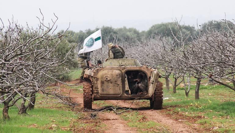 التوافقات الإقليمية والاقتتال الداخلي ينذران بنهاية هيئة تحرير الشام