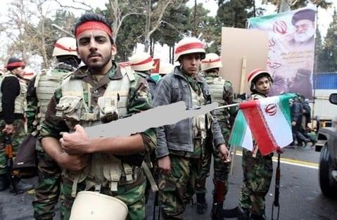 تلعب على أوتار حاجتهم.. كيف تغري الميليشيات الإيرانية شباب ديرالزور للانضمام لها