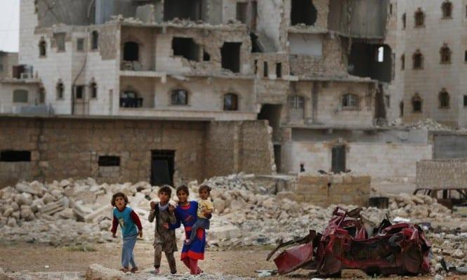 درعا.. النظام لايسمح للمدنيين بالدخول إلى مناطق سيطرته إلا بعد دفع 100 ألف ليرة