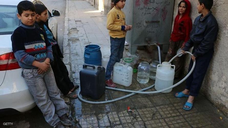 قدسيا.. أزمة مياه شرب خانقة والبائعون يستغلون حاجة المدنيين