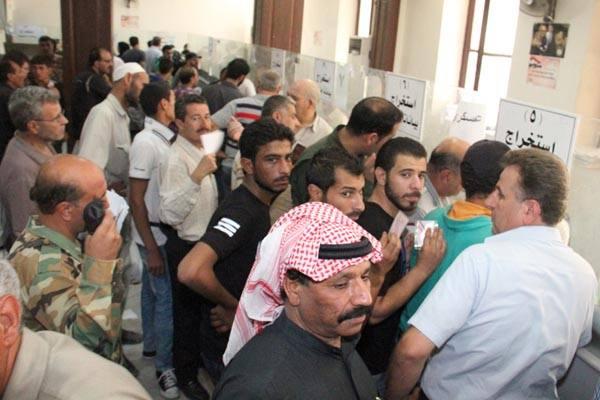 """يصدرها على دفعات """"لتخفيف رد فعل الأهالي"""": النظام يسلم قوائم جديدة من قتلى التعذيب لنفوس ريف دمشق"""