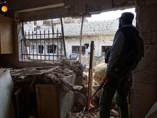 المعارضة: النظام يحاصر الفصائل في درعا وهو في طريقه للسيطرة على المدينة