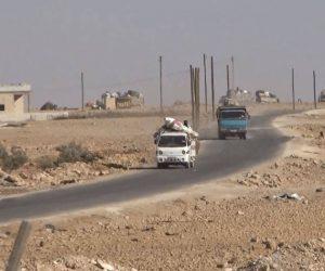 """نزوح عشرات العائلات من ريف حماة.. وغضب من إصرار """"تحرير الشام على قتال النظام"""