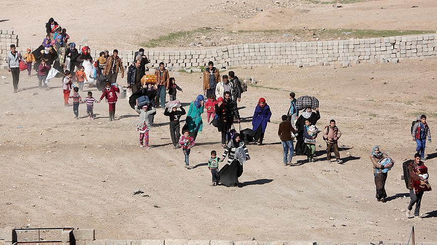 النظام يفرض إتاوات على الأهالي النازحين من شرقي إدلب لإدخال آلياتهم ومواشيهم إلى قراهم