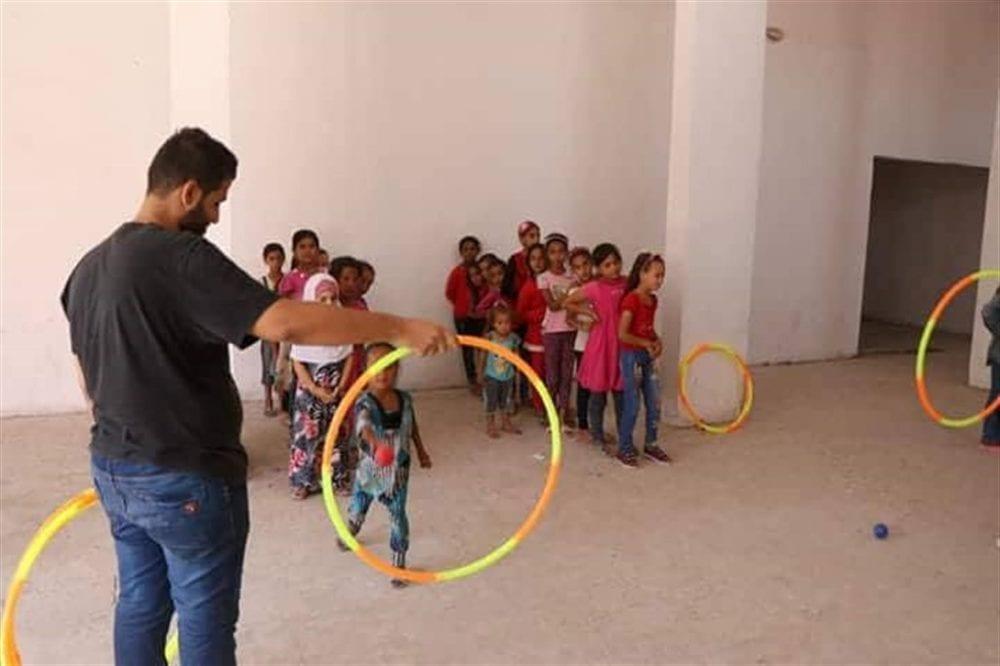 الأطفال يعودون لألعابهم وألوانهم: افتتاح أول روضة للأطفال بريف ديرالزور الشمالي بعد خروج داعش