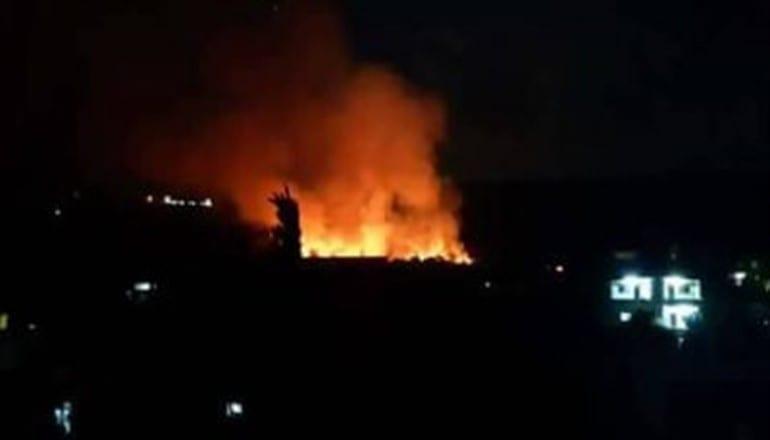 حرائق ضخمة في جبل الأربعين بمدينة القرداحة