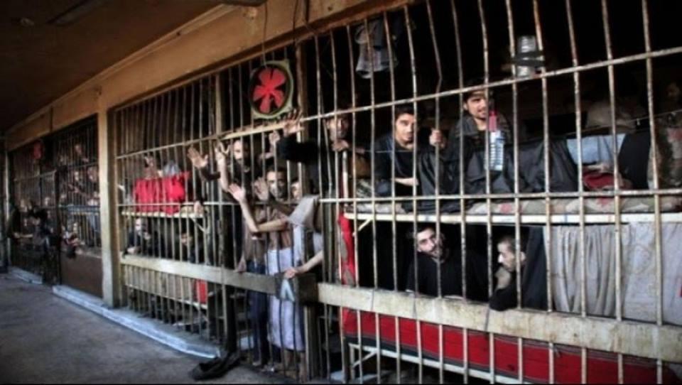 """الإضراب مستمر: أوضاع المعتقلين تزداد سوءاً في """"مركزي حماة"""".. والنظام يمنع الدواء عنهم"""