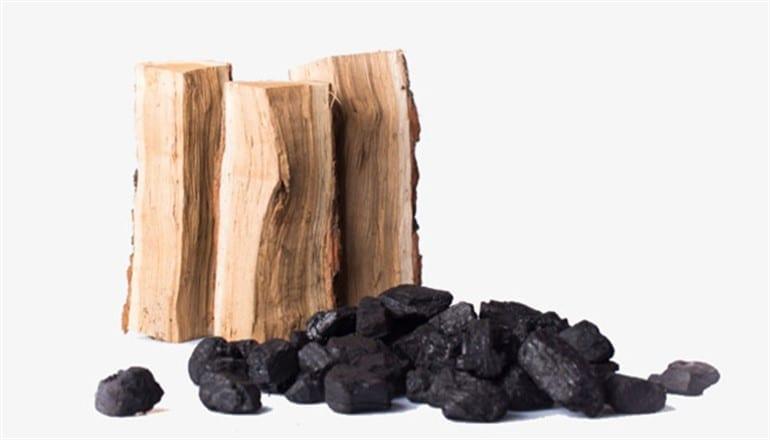 حكومة النظام تمدد العمل بقرار وقف تصدير الفحم والأخشاب عاماً أضافياً