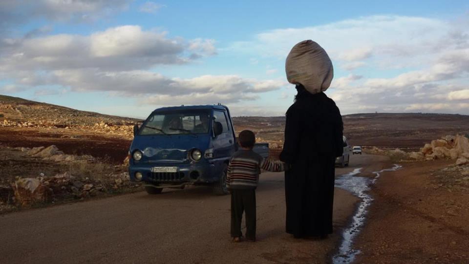 حوالي 15 ألف نسمة غربي حماة بدون خدمات طبية.. وأقرب نقطة تبعد 10 كم عنهم
