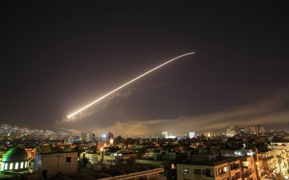 ليلة عنيفة شهدها محيط دمشق: تعرف على المواقع التي استهدفها الطيران الاسرائيلي