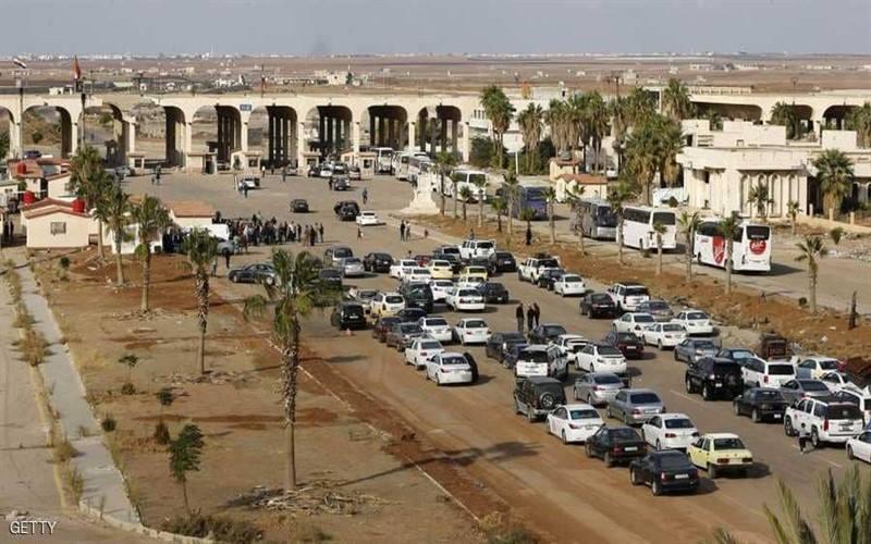 القرارات المتقلّبة تعيق عمل سائقي درعا على خط معبر نصيب