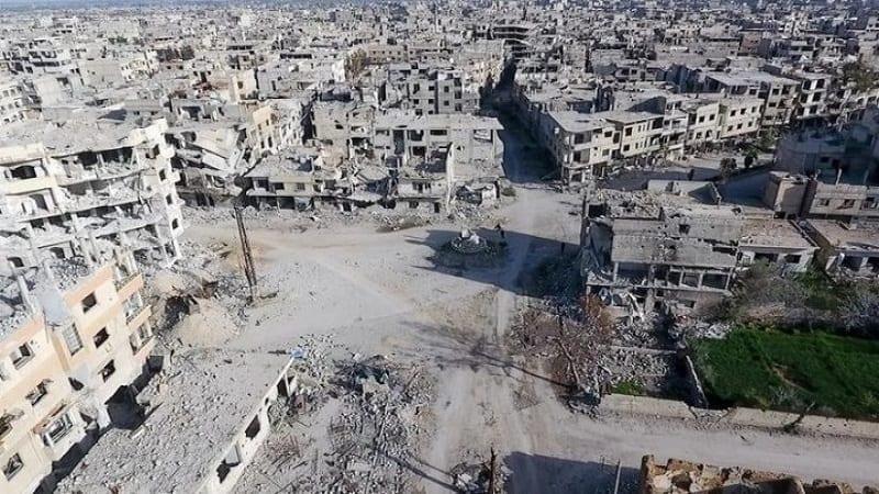 تاجر لعب دوراً في اتفاقات الغوطة الشرقية يستثمر في إزالة أنقاضها