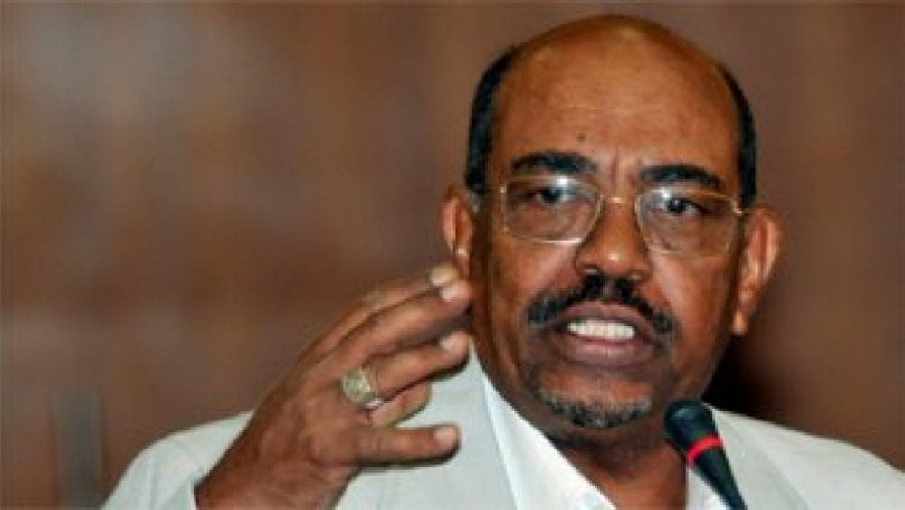 البشير أول رئيس عربي يعترف بالتهم الموجهة إليه