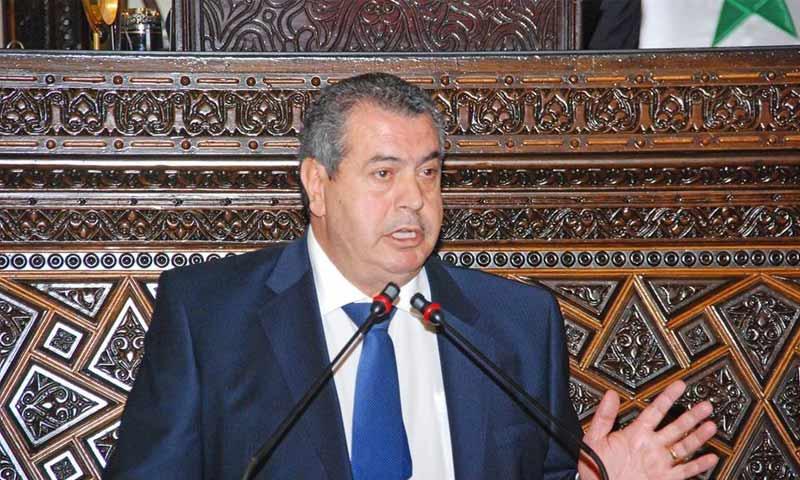 وزير لدى النظام يوجِّه بمنع «العيدية» في النقل والمطاعم والأفران