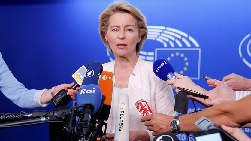 انتخاب الألمانية «فون دير لين» كأول امرأة لرئاسة المفوضية الأوروبية